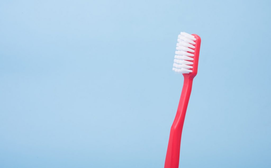 How to Clean Your Toothbrush